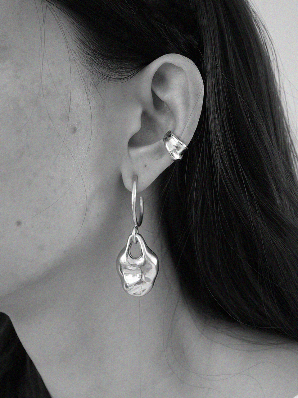 (brillpiece X LFM Collaboration) .                   Fold wave earcuff