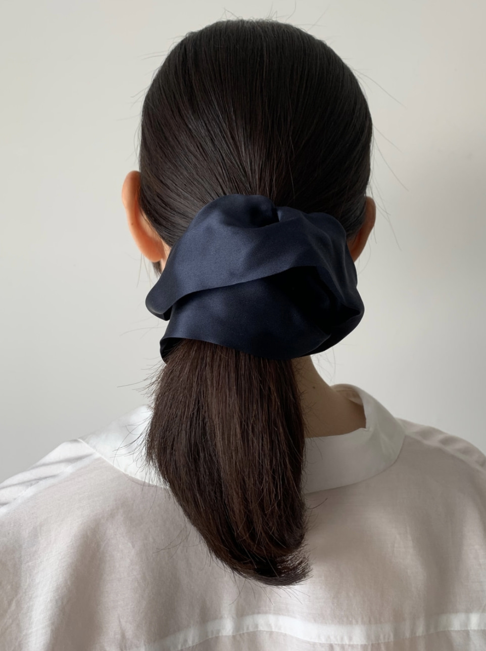 Helen - Silk Scrunchie (Medium)